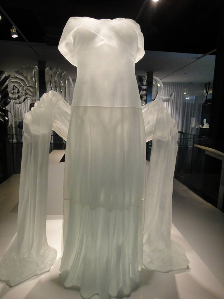 white dress sculpture